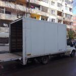 камион отстрани